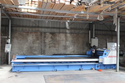 天卓工厂—自动化刨槽机床