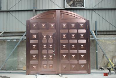 天卓工厂—铜门组装车间