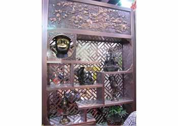 古典风格铜展架
