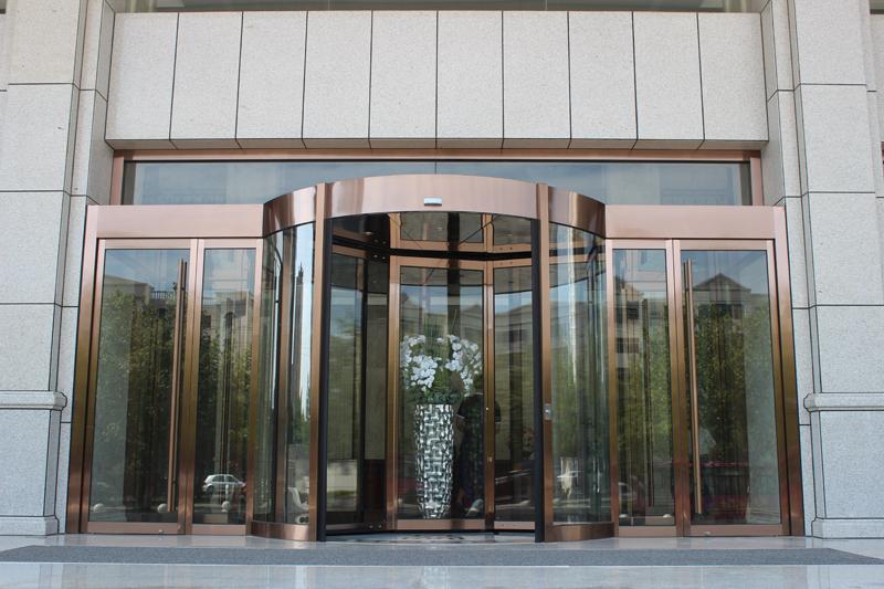咸阳金芙蓉酒店—三翼旋转门