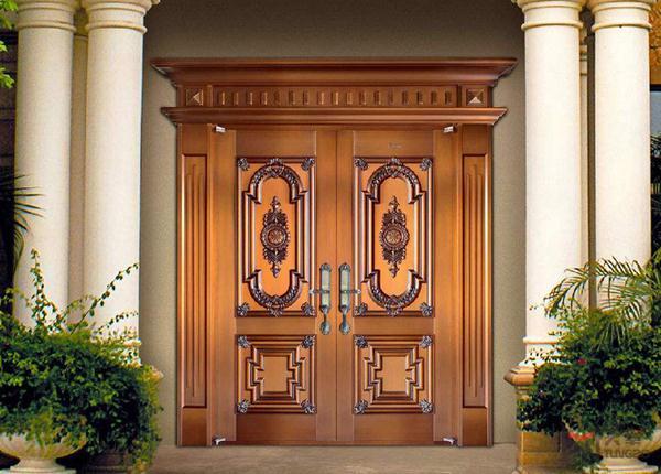 楼宇对开铜门