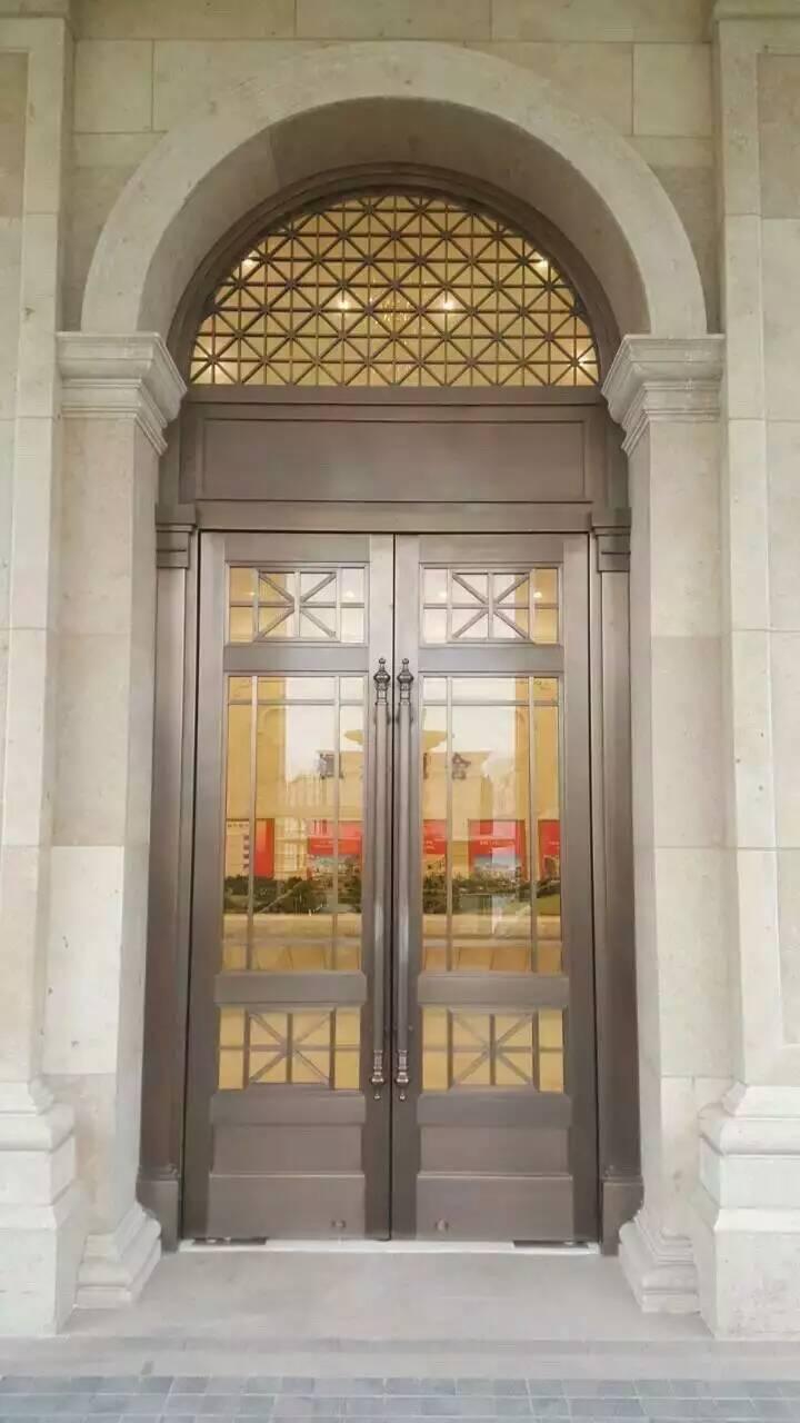 枫丹丽舍玻璃对开铜门