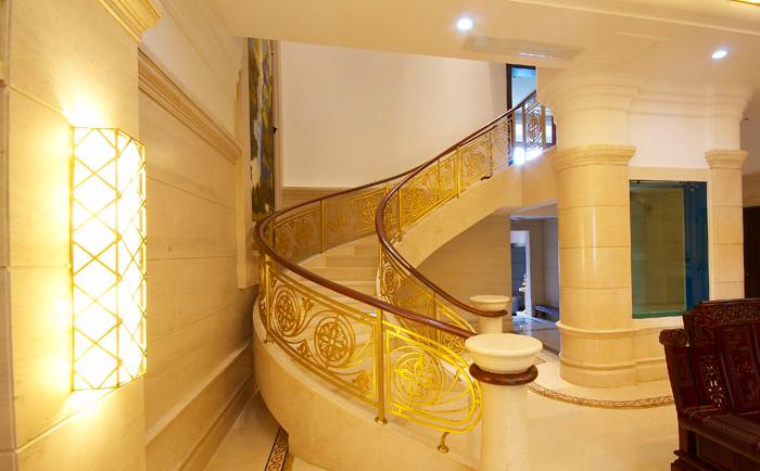 别墅楼梯-铜楼梯