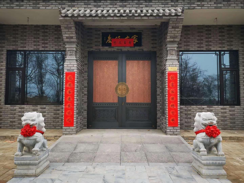 中式庭院铜门