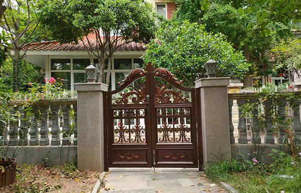 西安紫薇田园都市庭院铝艺门