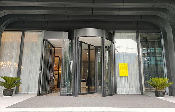 西安天佑东长安国际售楼部旋转门